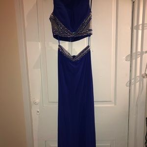 Dresses & Skirts - Prom or any occasion dress